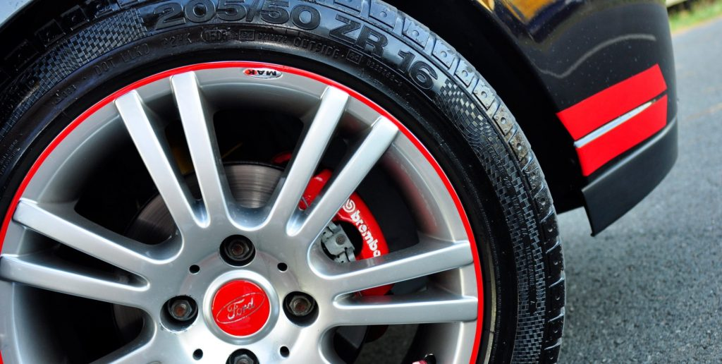 wheels-and-tires-what-is-plus-sizing-and-what-does-it-do-to-your-car_2